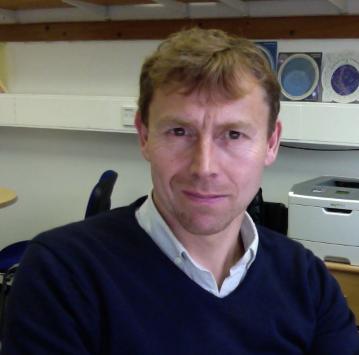Professor Stephen Smartt