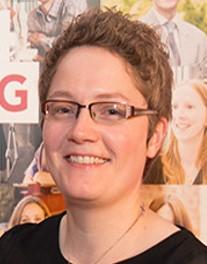 Dr Ruth Hunter